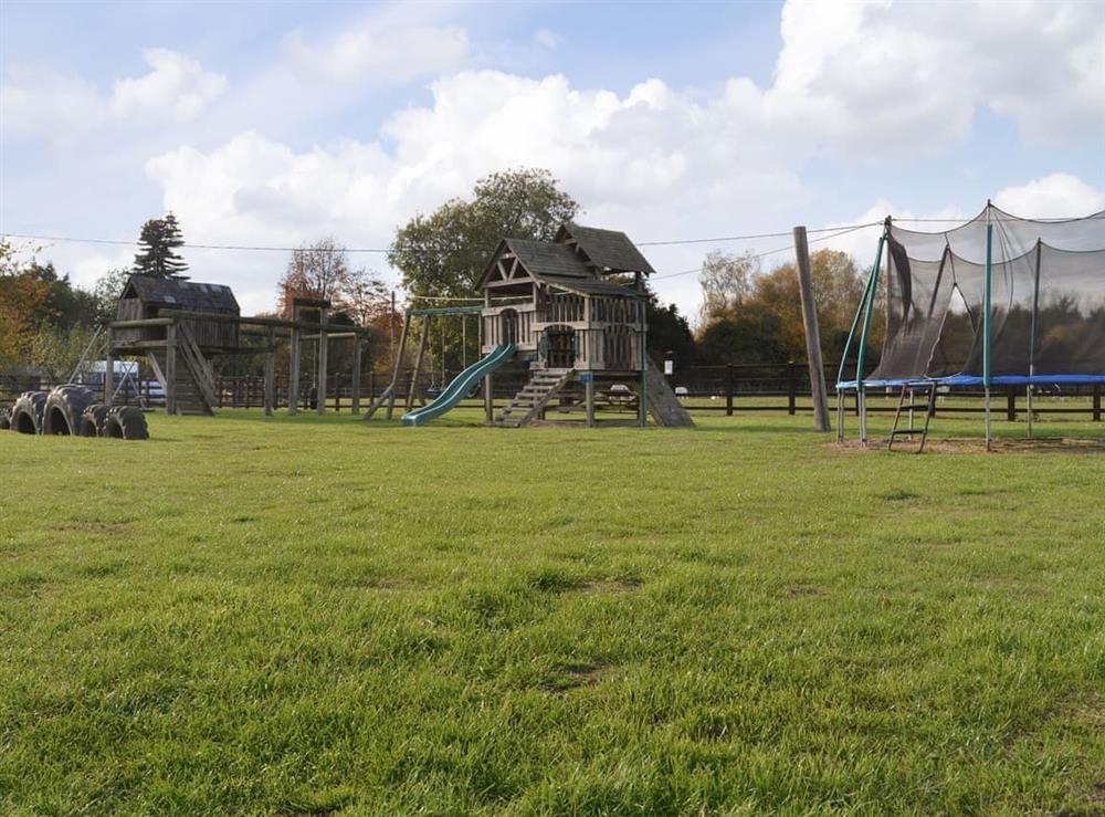 Communal outdoor recreation area