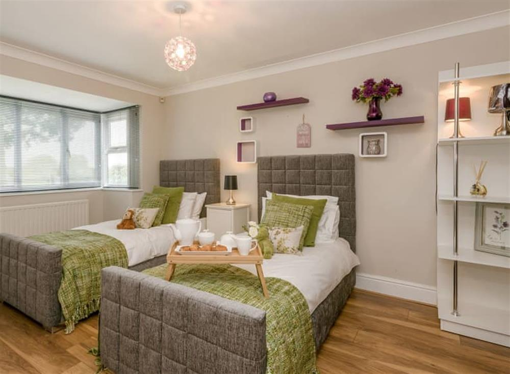 Well presented twin bedroom at Morea in Horning, Norfolk