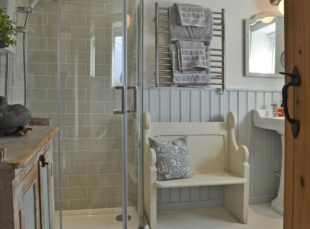 Beautifully presented bathroom at Mur Llwyd in Rhoshirwaun, near Pwllheli, Gwynedd