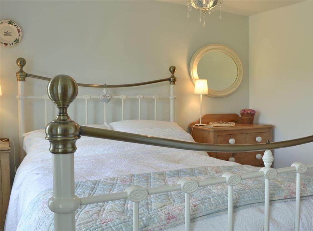 Tastefully decorated double bedroom at Mur Llwyd in Rhoshirwaun, near Pwllheli, Gwynedd