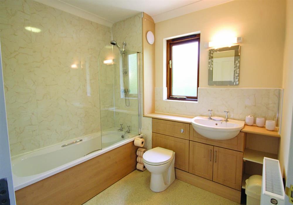Nautical Nook bathroom at Nautical Nook in Norwich, Norfolk