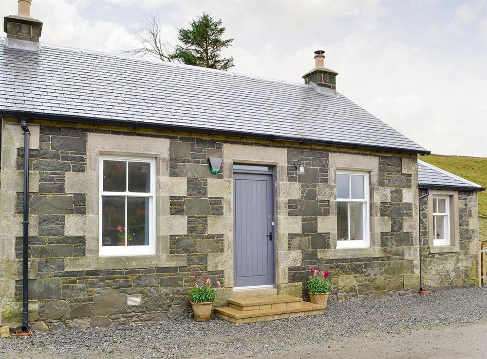 Attractive holiday home at Nettlebush Cottage in Drumelzier, near Peebles, Scottish Borders, Lanarkshire