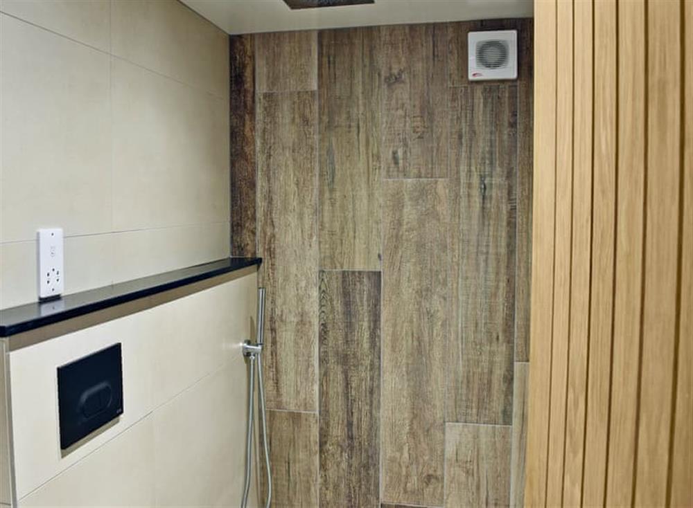 Impressive wet room