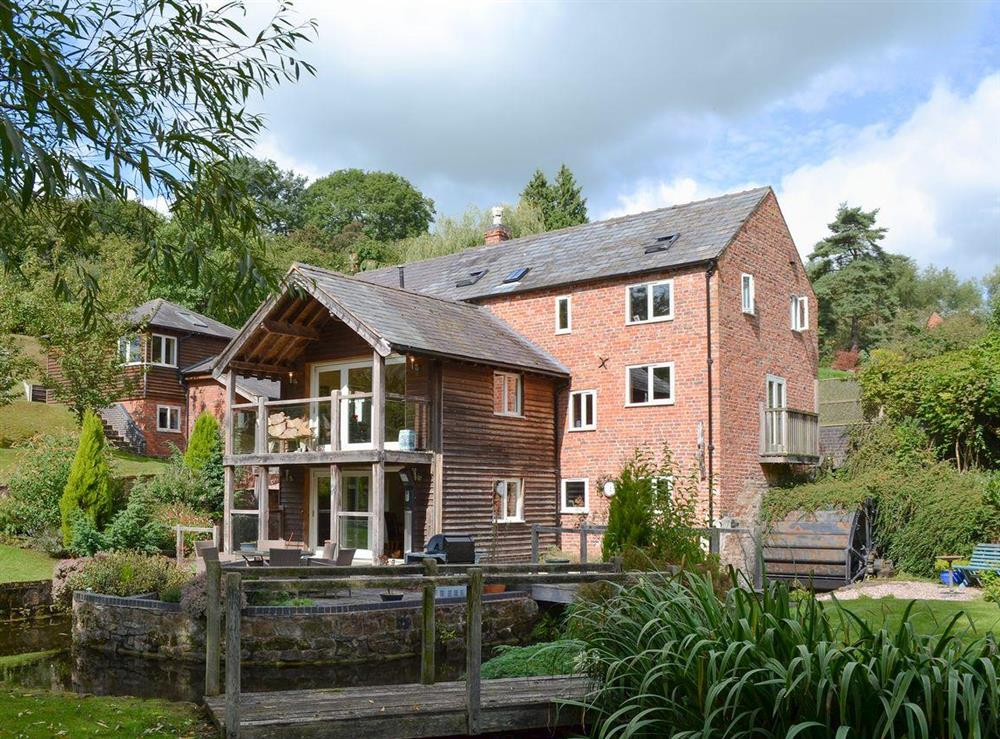 Exquisitely presented holiday home and grounds at Old Castle Mill in Malpas, Cheshire