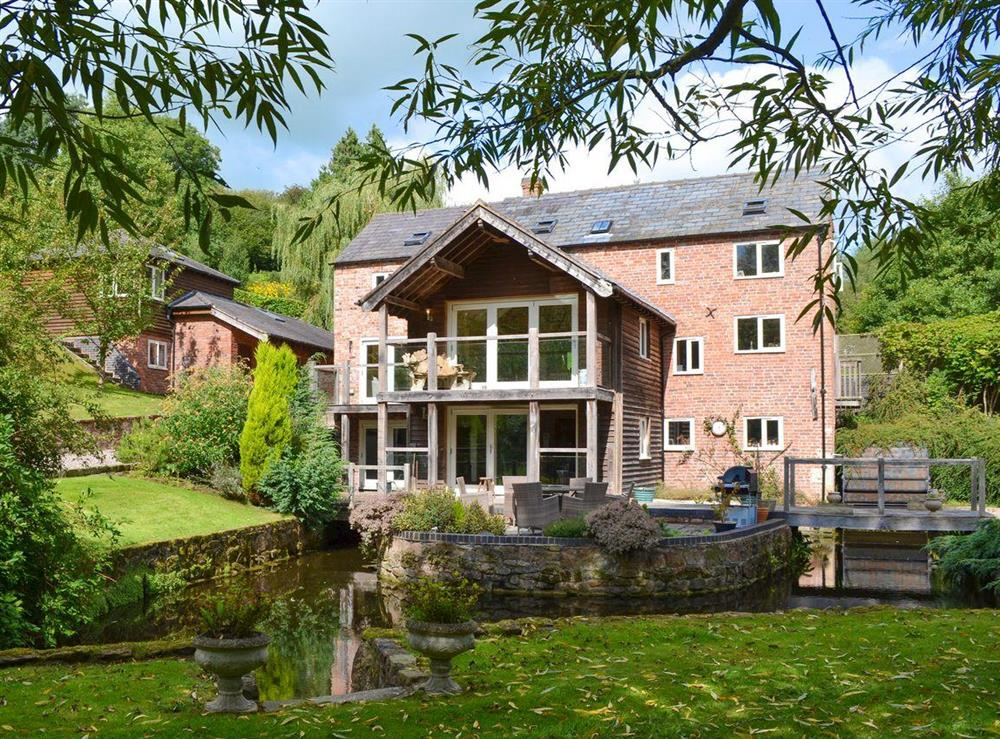 Immaculately presented holiday home and grounds at Old Castle Mill in Malpas, Cheshire