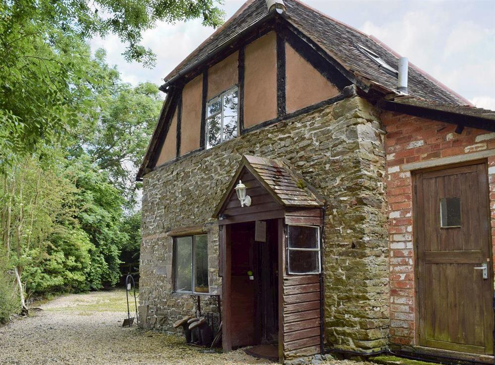Traditionally constructed cottage at Lovers Cottage,
