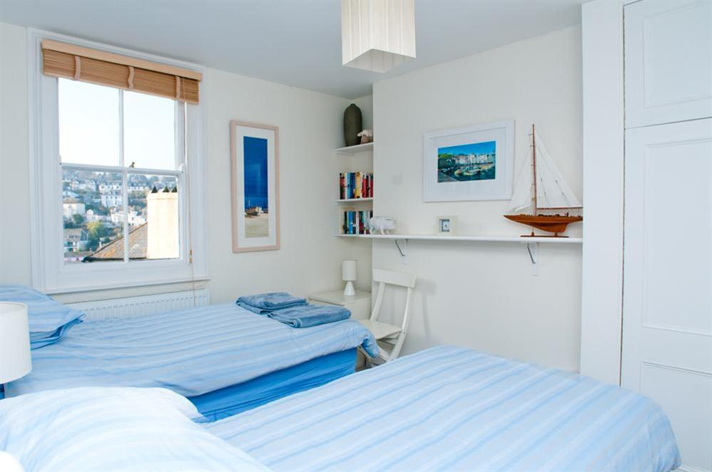 First floor twin bedroom at Onedin House in 11 Crowthers Hill, Dartmouth