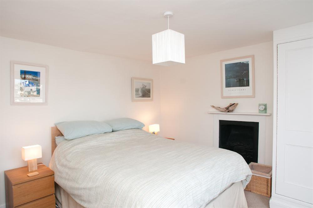 Master bedroom with King-size bed at Onedin House in 11 Crowthers Hill, Dartmouth