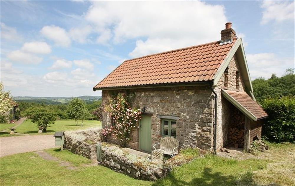 Orchard Cottage, with accommodation for 2 Guests is situated in the rural location of Penterry, a peaceful Wye Valley hamlet steeped in history