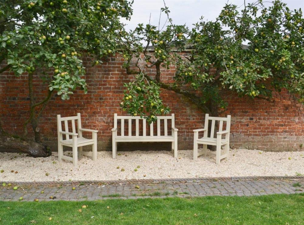 Sitting-out-area at Pampita Lodge in Beverley, North Humberside