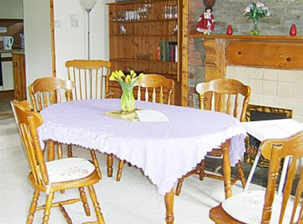 Dining room at Parcllwyd Cottage in Cilgerran, near Cardigan, Dyfed