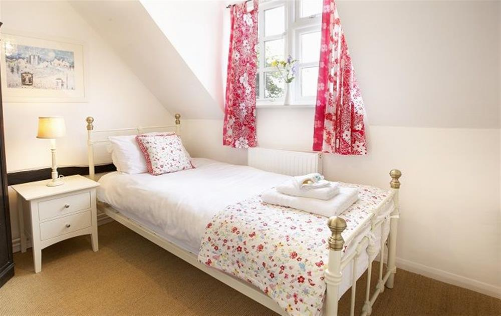 First floor:  Single bedroom with 3' bed at Peak Hill Cottage, Theberton