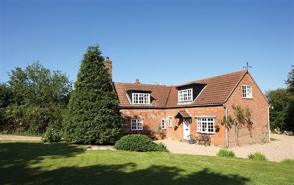 Peak Hill Cottage,  a delightful detached cottage set in quiet woodland, adjoining two farms at Peak Hill Cottage, Theberton