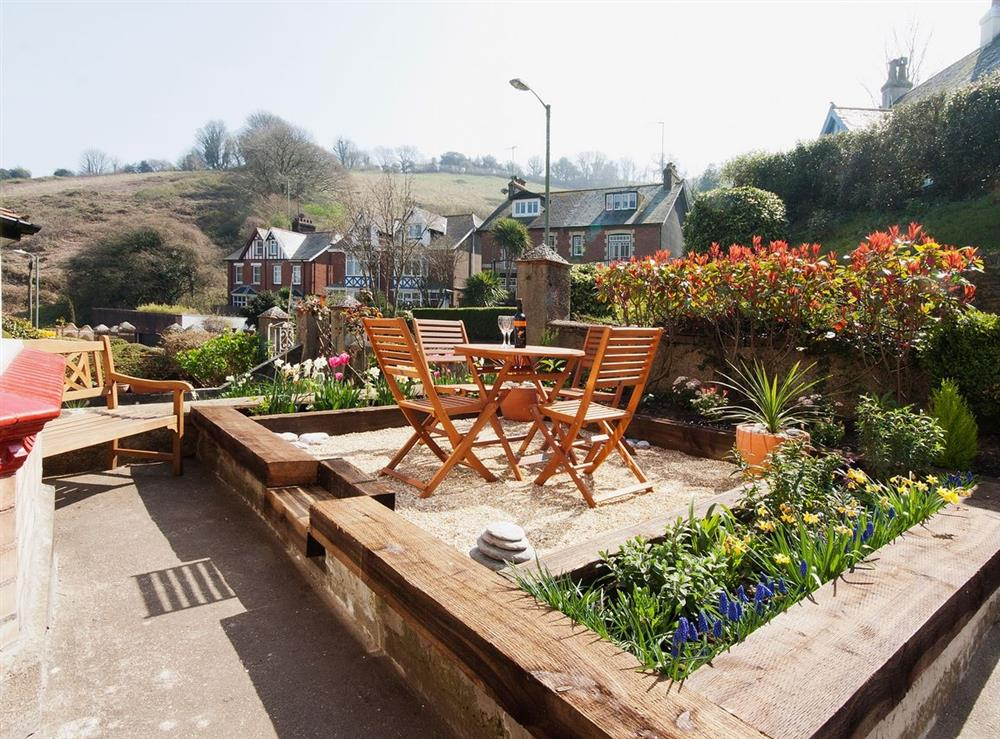 Sitting-out-area at Pebble Cottage in Dartmouth, Devon