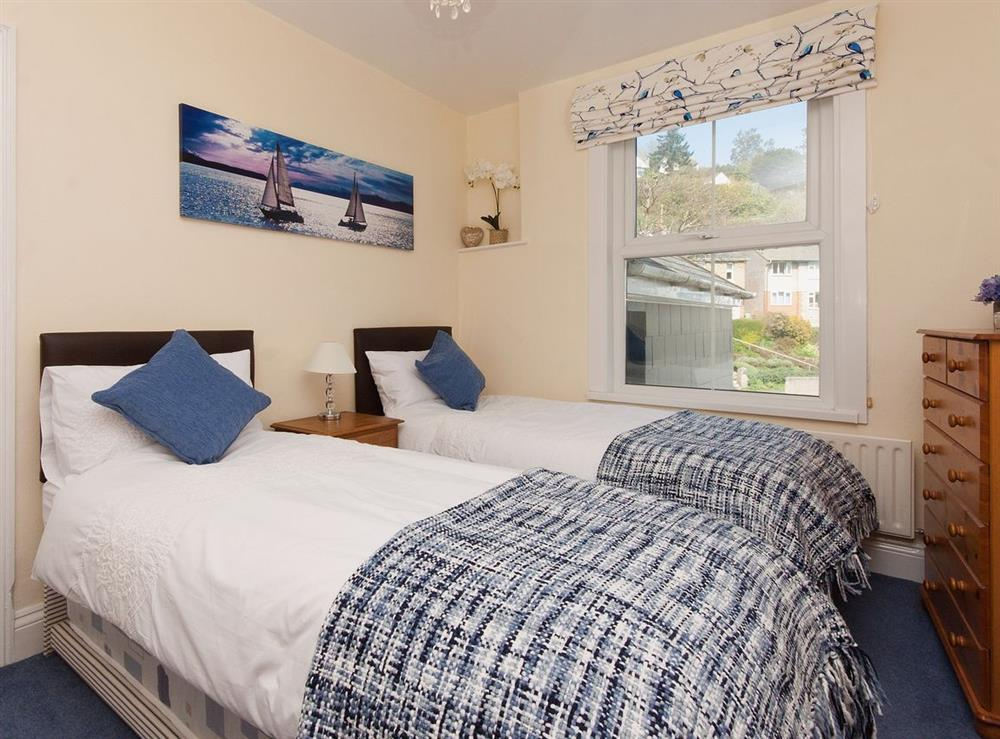 Twin bedroom at Pebble Cottage in Dartmouth, Devon