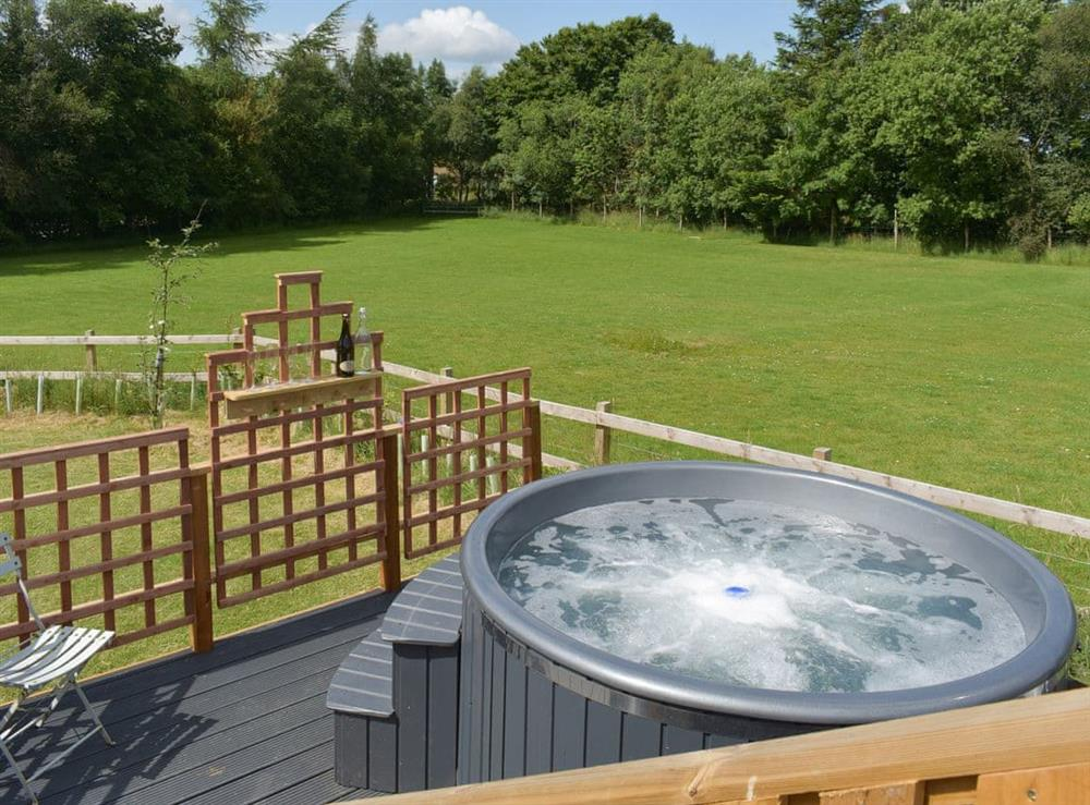 Hot tub at Pentland Pod in Leadburn, near West Linton, Midlothian