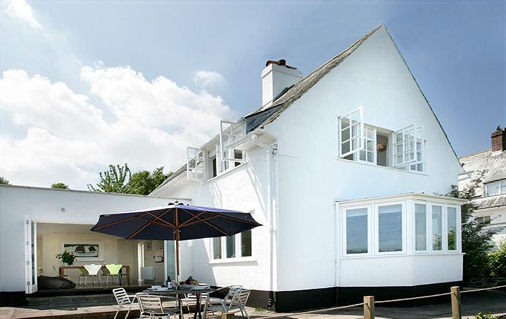 Penveron is a detached, self catering holiday cottage with stunning views over the Dart Estuary at Penveron, Dittisham
