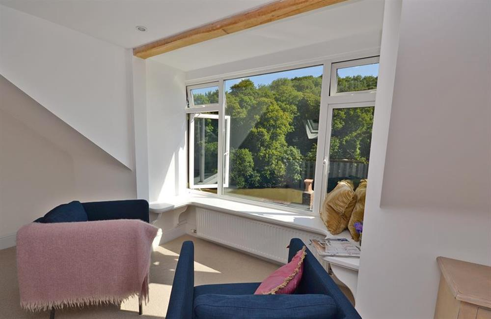 Relax and watch the ebb and flow of the tide at Perchwood Cottage, Tuckenhay