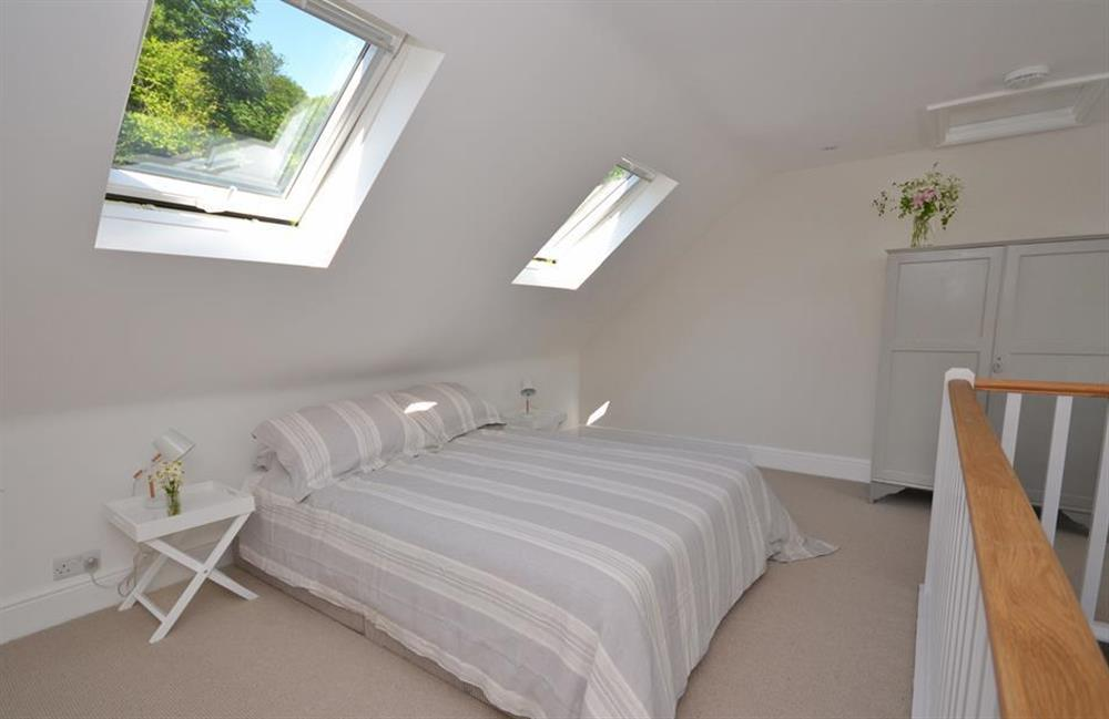 The double bedroom at Perchwood Cottage, Tuckenhay