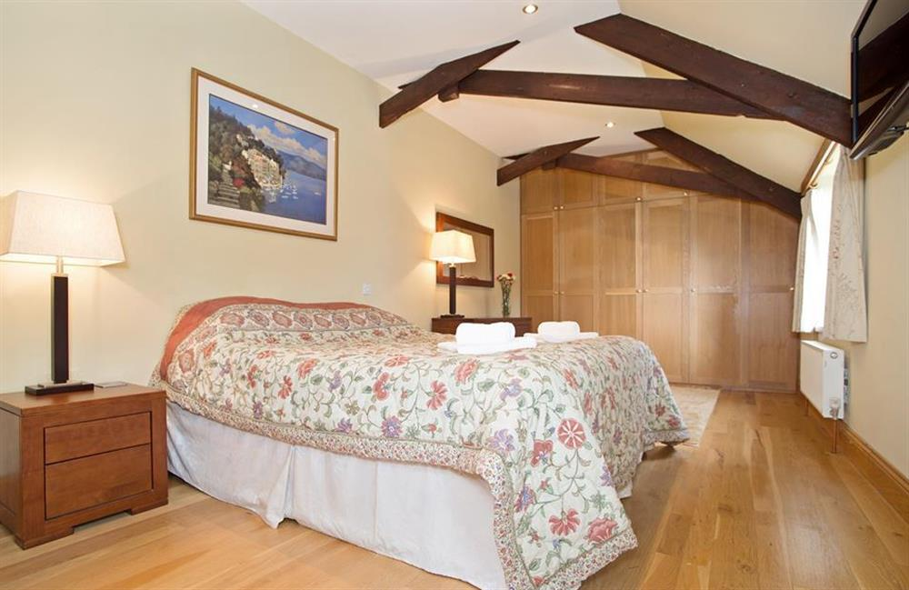 One of the 4 very impressive bedrooms, all with en suites at Perchwood Shippon, Tuckenhay