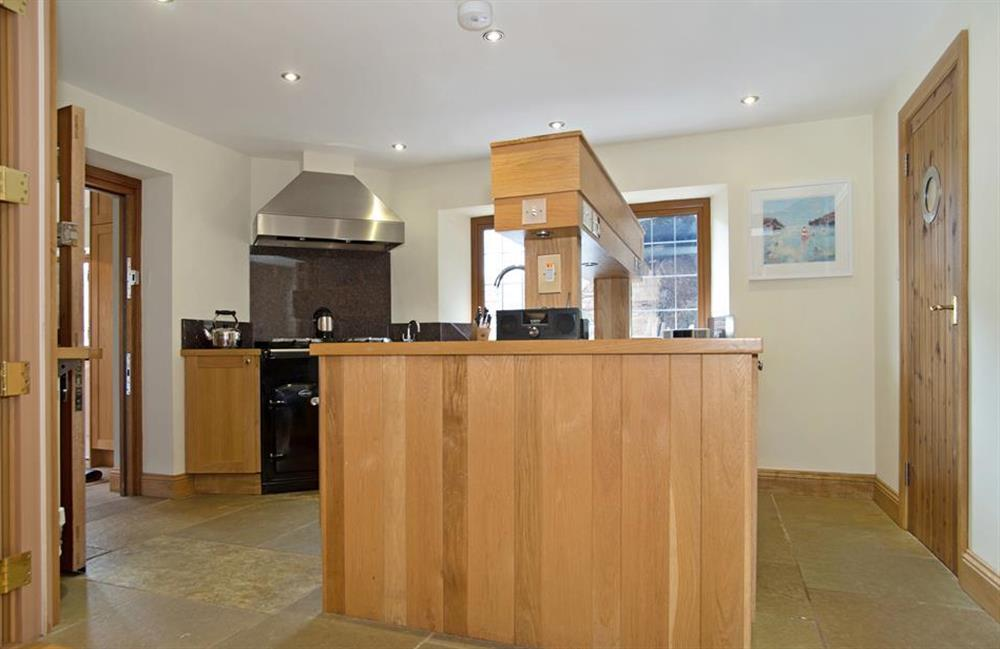 The solid oak kitchen, with Sandyford cooker at Perchwood Shippon, Tuckenhay