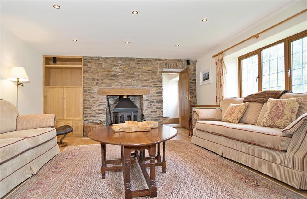 The spacious and comfortable lounge at Perchwood Shippon, Tuckenhay