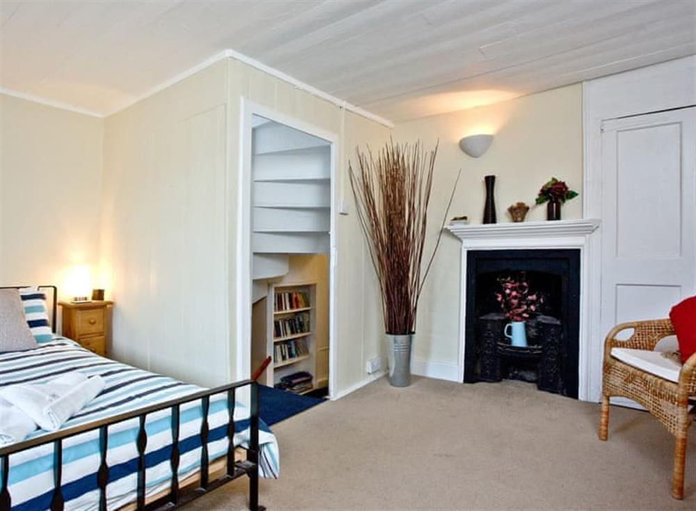 Double bedroom (photo 2) at Pilgrims Cottage in Brixham, South Devon