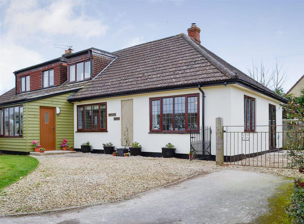 Delightful chalet bungalow at Pipers Pool in East Stour, near Gillingham, Dorset, England