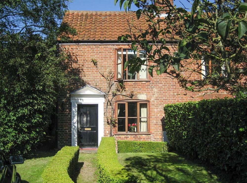 Delightful, 18th century, Grade II listed semi-detached cottage at Pond Cottage in Somerleyton, near Lowestoft, Suffolk