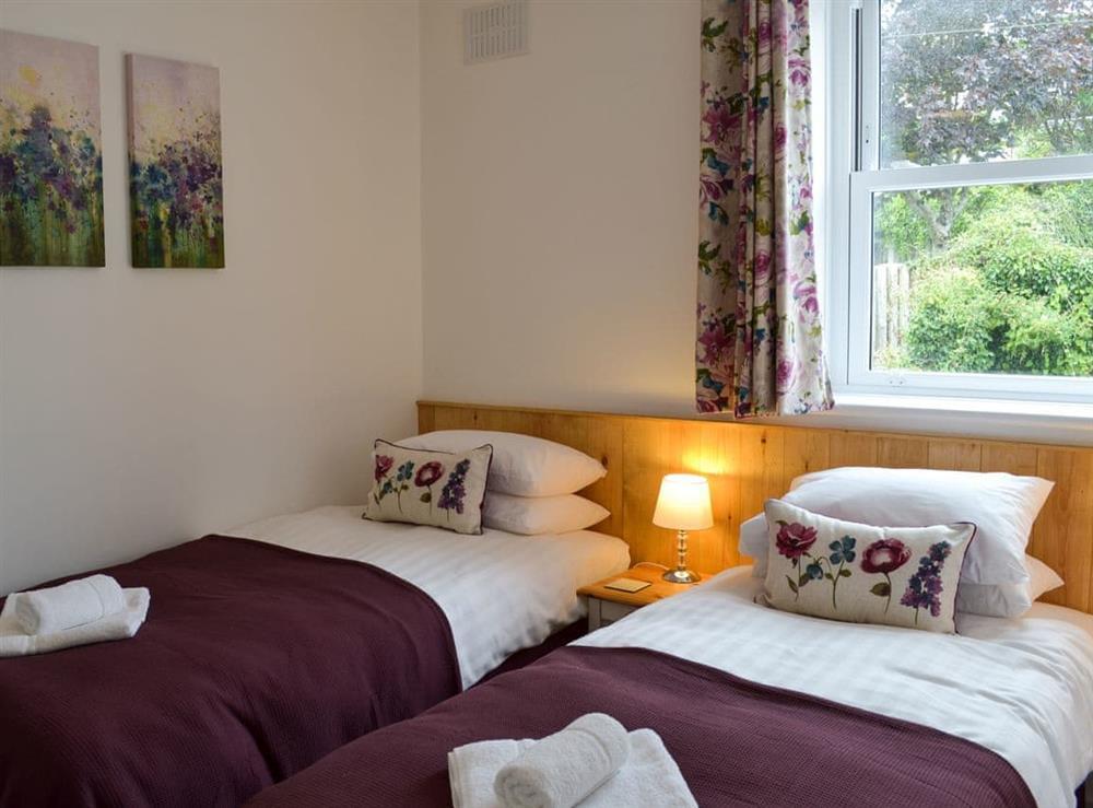 Twin bedroom at Poppy Cottage in Blackawton, near Dartmouth, Devon