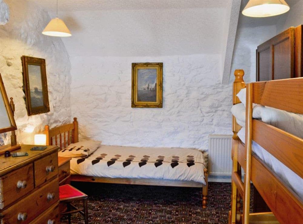 Bunk bedroom at Porth Colmon Farmhouse in Porth Colmon, near Pwllheli, Gwynedd