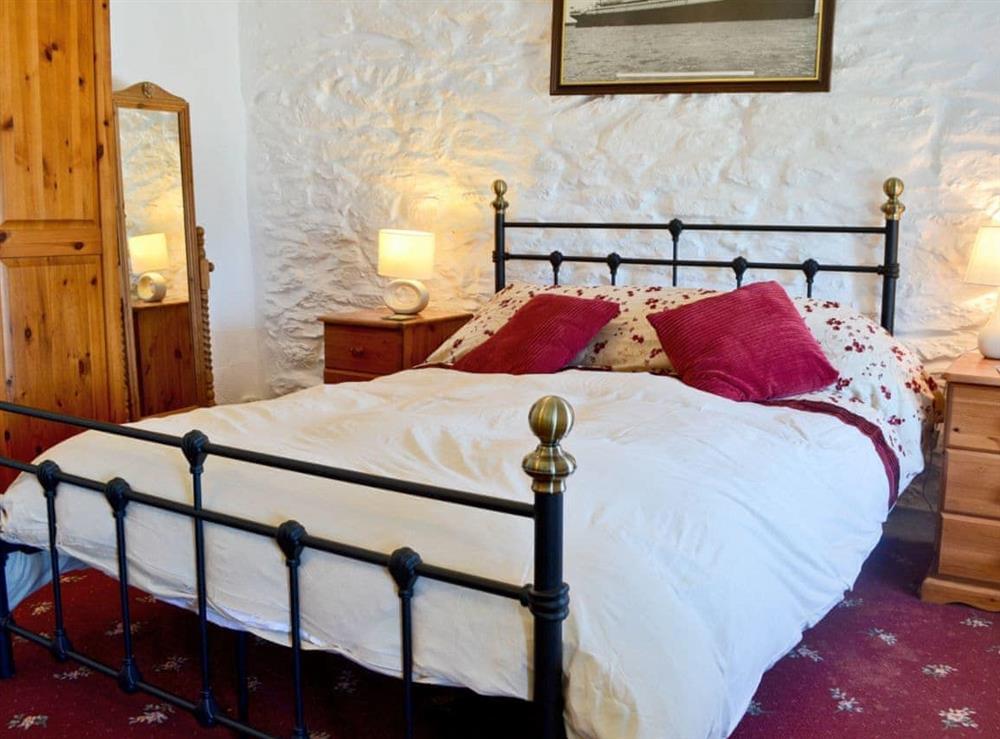 Double bedroom at Porth Colmon Farmhouse in Porth Colmon, near Pwllheli, Gwynedd