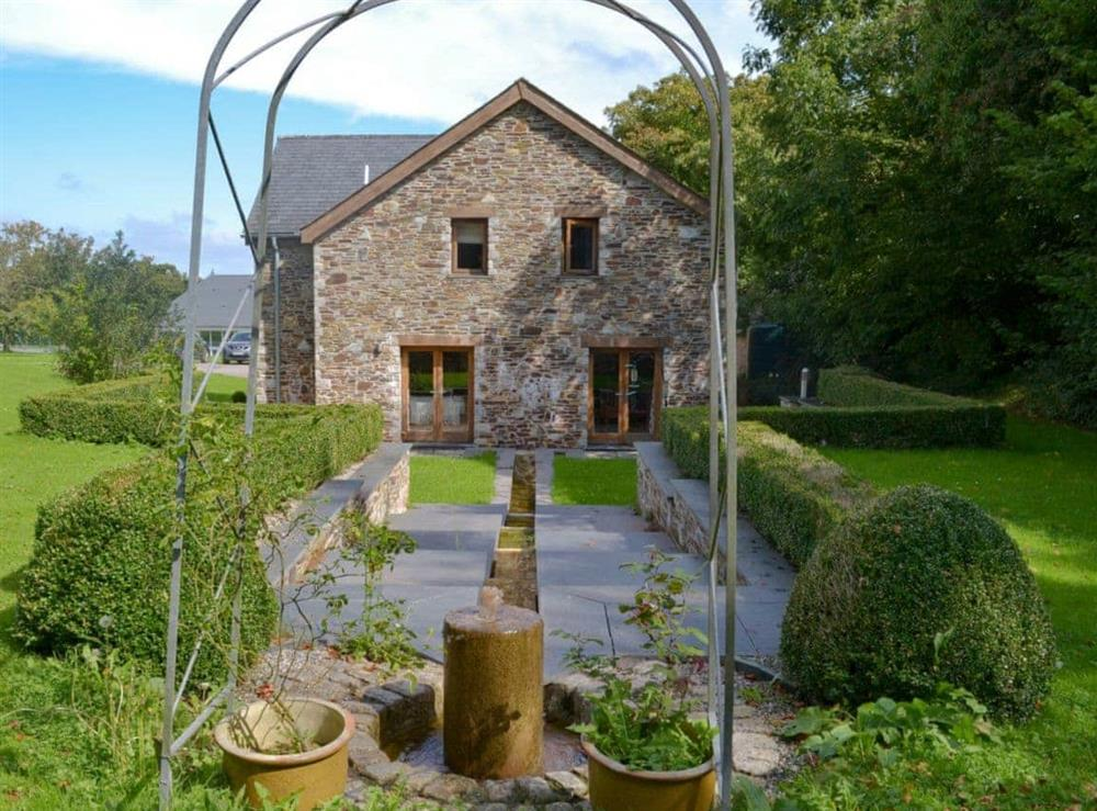 Impressive holiday home/ garden at Poulston House in Harbertonford, near Totnes, Devon