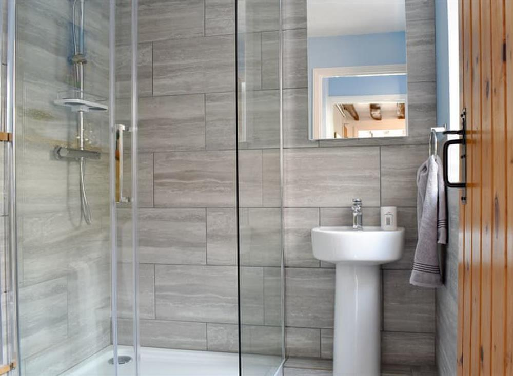 Shower room at Puddingmoor Cottage in Beccles, Suffolk