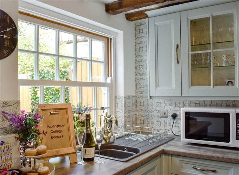 Well equipped kitchen (photo 2) at Puddingmoor Cottage in Beccles, Suffolk