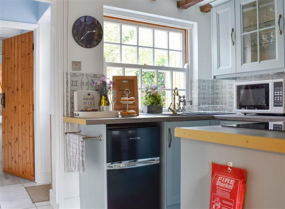 Well equipped kitchen at Puddingmoor Cottage in Beccles, Suffolk