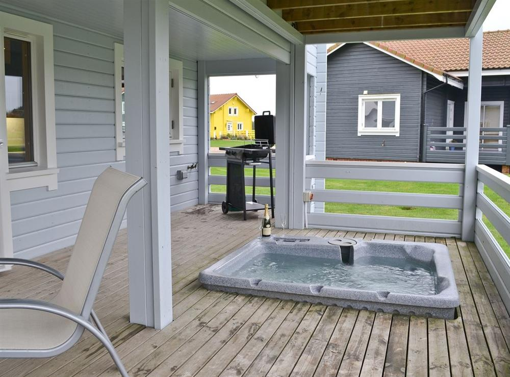 Hot tub at Puddleduck in Fritton, near Great Yarmouth, Norfolk