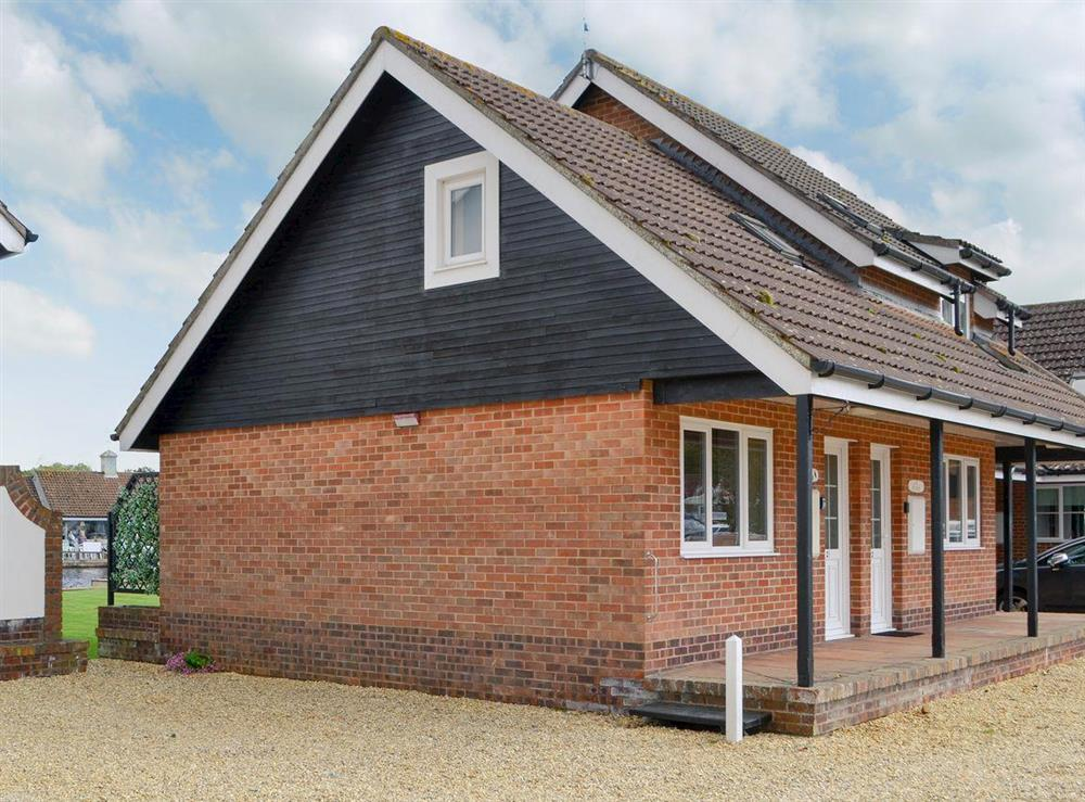 Beautifully presented riverside cottage at Puffin Cottage in Wroxham, Norfolk