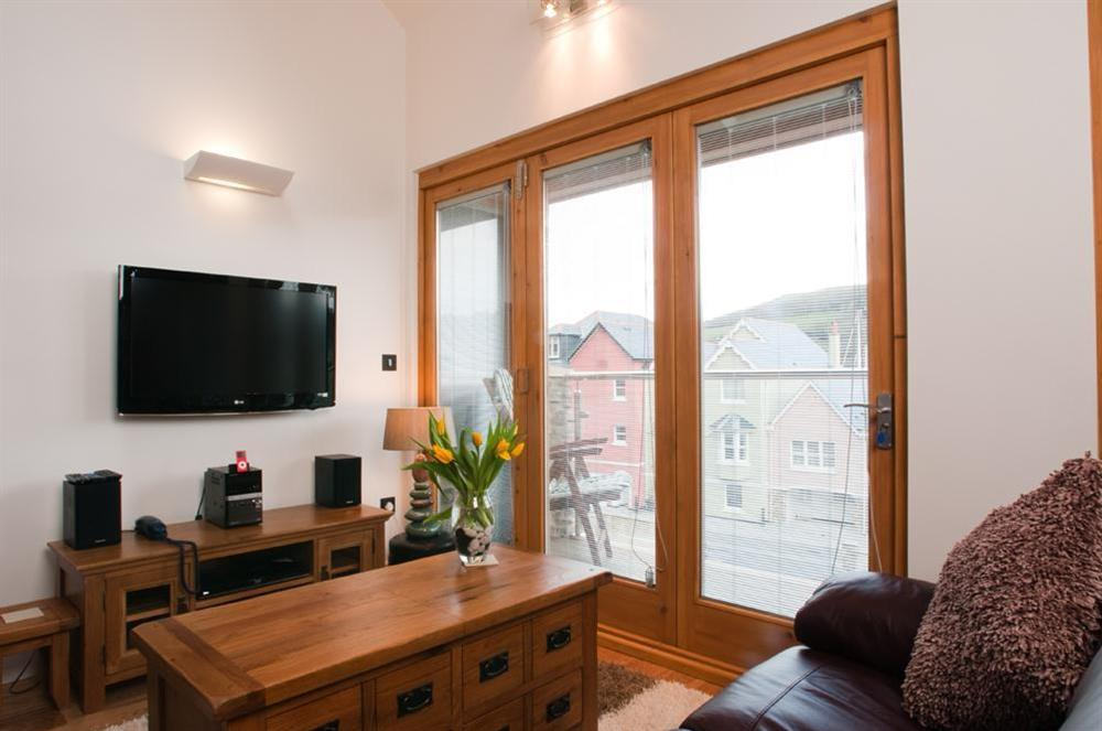 Lounge with flatscreen TV and Freeview at Quay Lodge in 60 Sandquay Road, Dartmouth