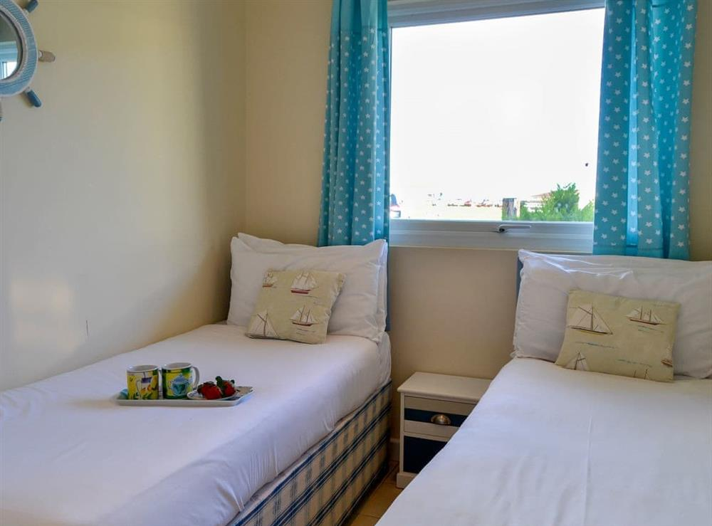 Twin bedroom at Beach Therapy,