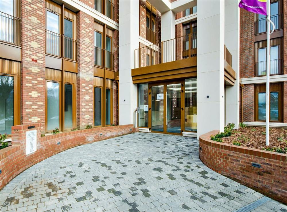 Modern fifth floor apartment at Red Rose Apartment in St Albans, Hertfordshire