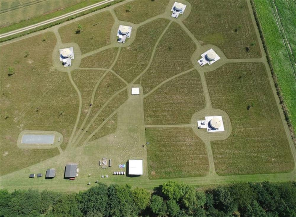 Attractively arranged spacious campsite at Jill Hooter,
