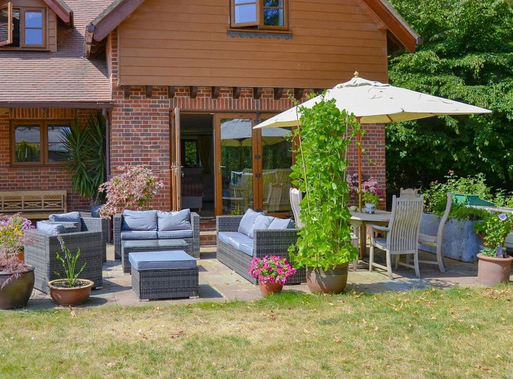 Attractive sitting out area at Riversdale Cottage in Irstead, near Wroxham, Norfolk