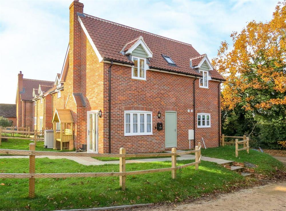 Rural, terraced holiday home at Roseanna Cottage in Middleton, near Leiston, Suffolk