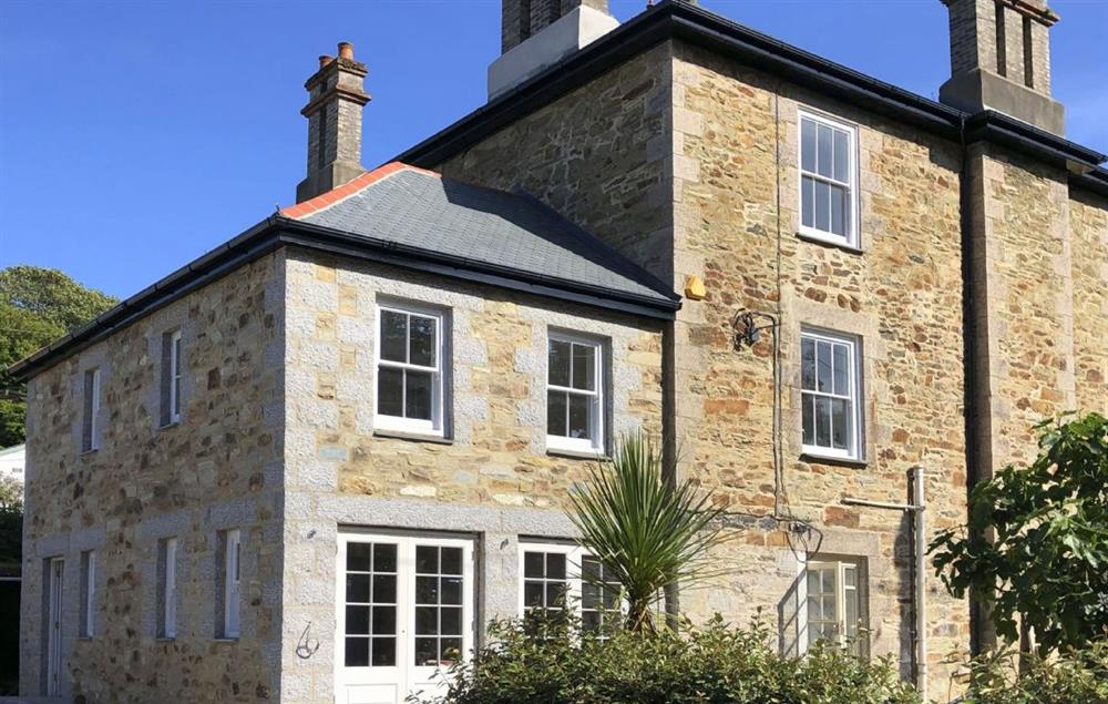 This stunning property is located in the heart of the thriving village of St Agnes.