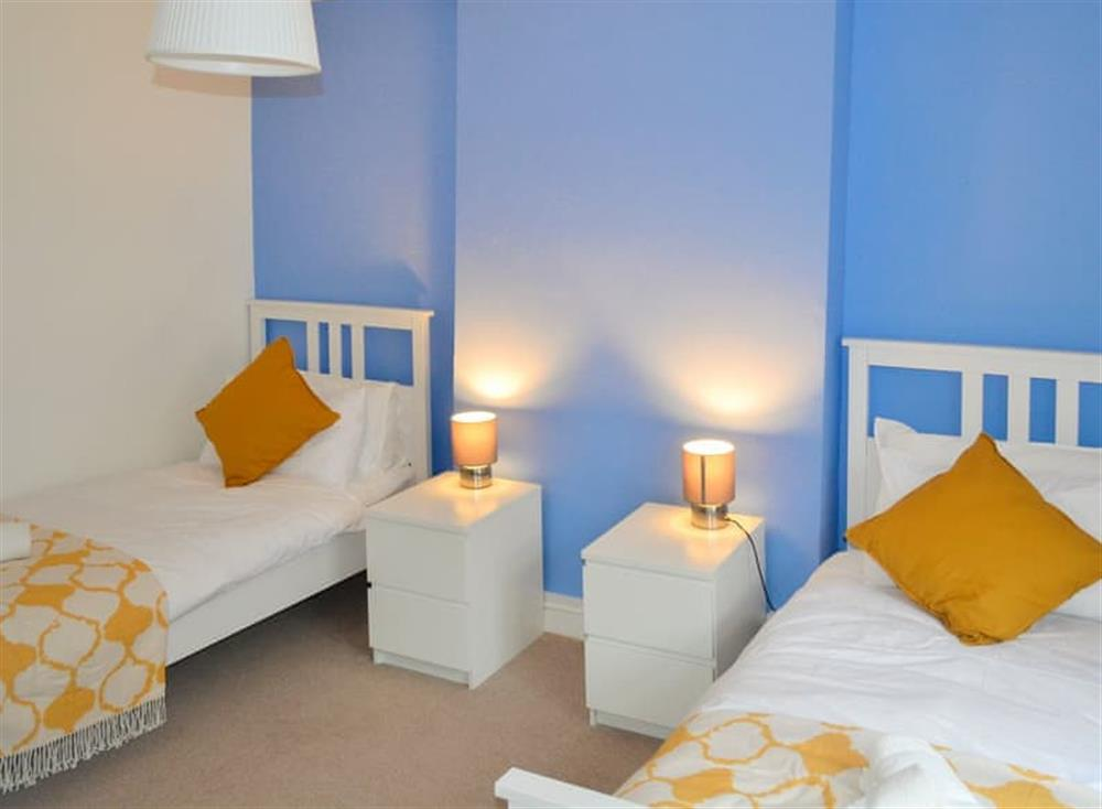 Twin bedroom at Roseville Cottage in Dartmouth, Devon