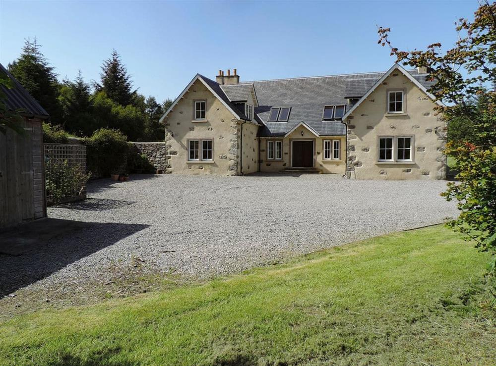 Ample gravelled area for car parking at Rowan House in Ardgay, near Dornoch, Ross-Shire