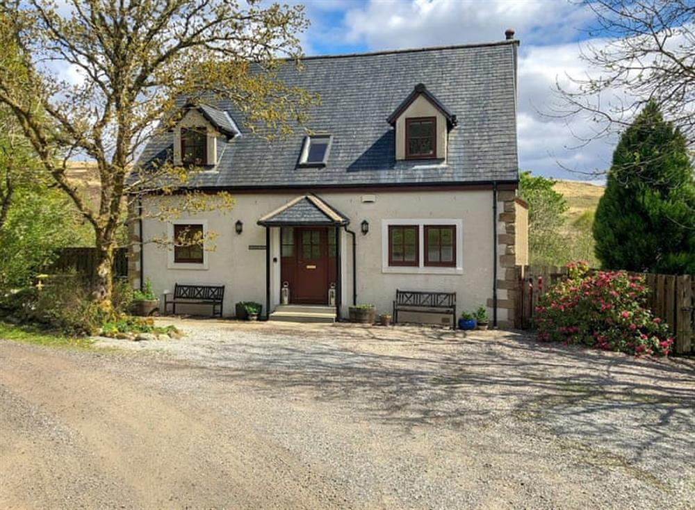 Charming detached cottage at Rowanbank in Kilchrenan, near Taynuilt, Argyll