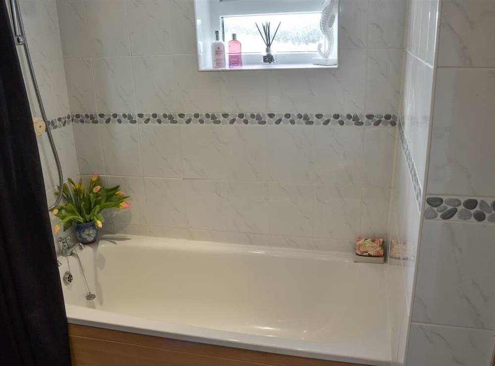 Bathroom at Samphire Cottage in Brixham, Devon