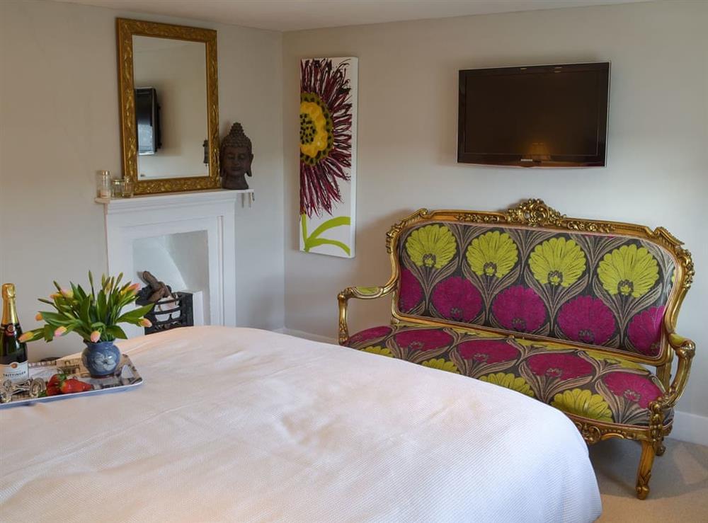 Double bedroom (photo 2) at Samphire Cottage in Brixham, Devon